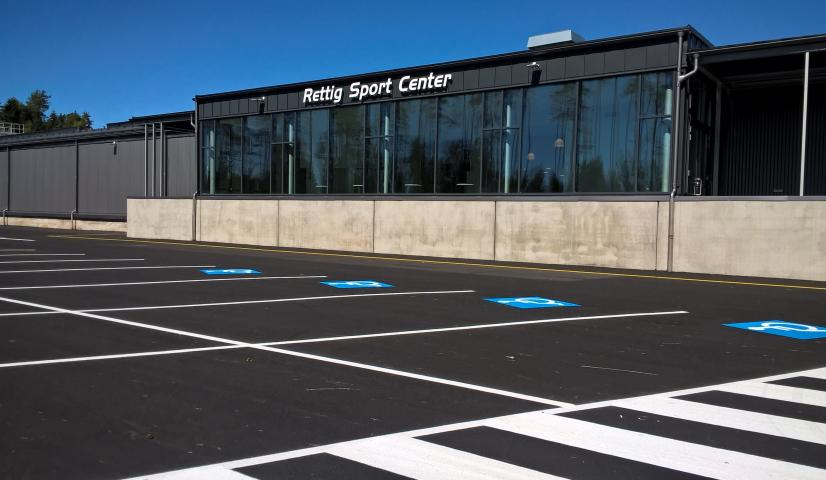 WP 20180625 14 25 36 Pro Rettig Sport Center huvuddorr4